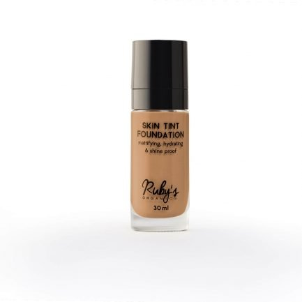 Ruby's Organics Foundation MD 02.5 makeup shade medium dark deep undertones shade smooth transfer-proof colour vegan india organic makeup cosmetics